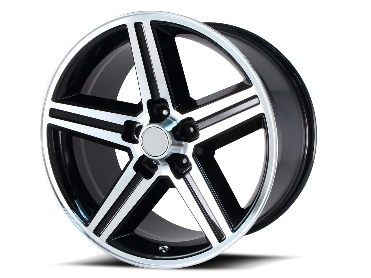 """16/"""" Silver Wheel for 2001-2005 Chevy S-10 by REVOLVE"""