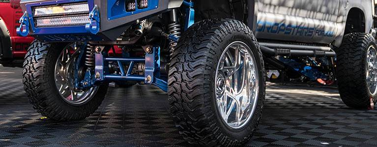 Shock Absorbers for Lifted Trucks | RealTruck