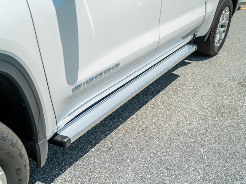 Ionic Billet Brite Running Boards Realtruck